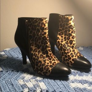 Used Sofft leopard calf hair / Leather bootie
